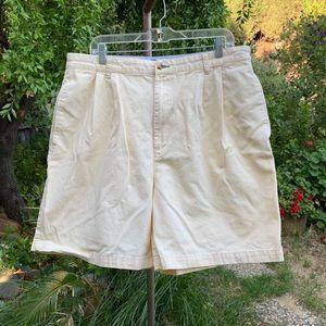 TOMMY HILFIGER Men's Pleated Shorts Sz 38